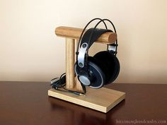 Desktop Wooden Headphone Stand.