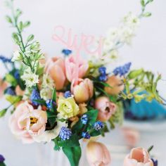10 Hochzeitsdekorationen mit großem Wow-Faktor für wenig Geld | Hochzeitsblog - The Little Wedding Corner Floral Wreath, Wreaths, Table Decorations, Etsy, Flowers, Plants, Beauty, Wedding Ideas, Home Decor