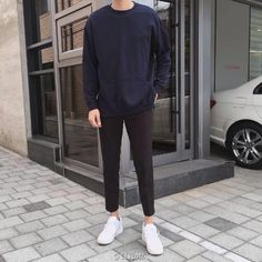 39 Captivating Men Outfits Ideas With Jogger Pants Korean Fashion Men, Korean Men, Boy Fashion, Mens Fashion, Fashion Outfits, Fashion Clothes, Korean Outfits, Trendy Outfits, Style Masculin