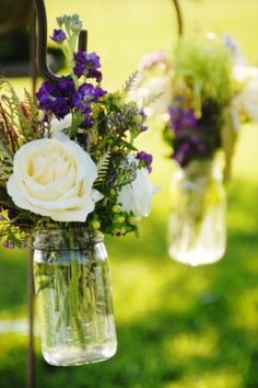 Wedding flowers. Love the roses but not the purple flowers @Heidi Haugen Haugen Haugen Haugen Haugen Haugen Fey
