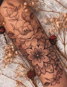 Feminine Tattoos, Girly Tattoos, Mom Tattoos, Pretty Tattoos, Cute Tattoos, Beautiful Tattoos, Body Art Tattoos, Hand Tattoos, Tatoos