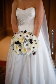 Southern Charm bouquet with cheerful anemones   VIA #WEDDINGPINS.NET