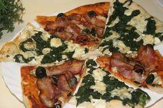 Program TĚSTO (výborné těsto, které jde rozválet úplně na slabo, což je základ úspěchu, protože pizza nemá být buchtou).Toto těsto vyjde na 2… Pitta, Vegetable Pizza, Menu, Chicken, Vegetables, Program, Lasagna, Menu Board Design, Vegetable Recipes