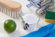 Faire le ménage sans utiliser de produits toxiques, c'est possible et plus facile qu'on ne l'imagine. En misant sur les recettes naturelles, on garde sa maison propre sans prendre le moindre risque pour sa santé.