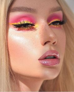 - Beauty - - make-up ✎ ✎ - . - Make-Up Yellow Makeup, Blue Eye Makeup, Colorful Makeup, Skin Makeup, Eyeshadow Makeup, Makeup Wipes, Eye Makeup Art, Contour Makeup, Sephora Makeup
