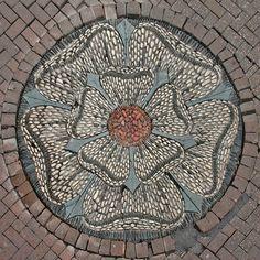 cobble pavement decoration    Edinburgh, Midlothian, Scotland, UK
