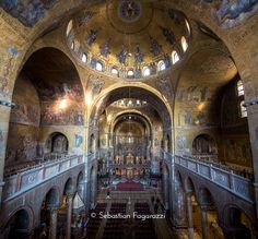 Basilica di San Marco | Saint Mark's Basilica #venice #venezia #veneziaautentica #thisisvenice  _______________________________  #venezianity#nothingisordinary #liveyourroots #italianstyle #browsingitaly  #theartofslowliving #aquietstyle #artofvisuals #urbanexploration #picoftheday #neverstopexploring #style#whatitalyis#art #beauty#passionpassport#liveauthentic#instamood#justgoshoot#featuremeinstagood#beautifuldestinations#wonderful_places#livefolk#peoplescreatives#thatsdarling#gramoftheday…