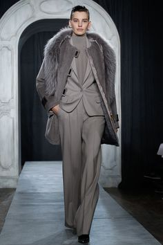 Jason Wu fall/winter 2014 collection – New York fashion week New York Fashion, Runway Fashion, Fashion Show, Jason Wu, Grey Fashion, Autumn Fashion, Women's Fashion, Power Dressing, Grey Outfit