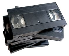 Certains films sur cassette VHS valent à présent 1850 euros. Vhs Cassette, Vhs Tapes, Things You Can Recycle, Retro, Recycling Facility, Kids Around The World, Cardboard Packaging, Recycling Programs, Hearing Aids