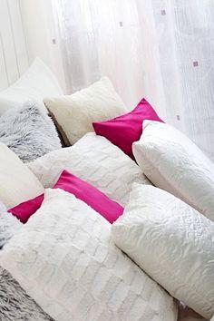 Pillows pillows. Lupin, Myggblom & Lotus