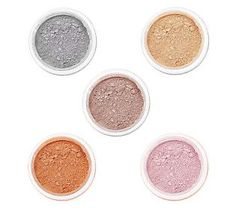 Give me five! Five Glimmering Eyeshadows that is.  With the perfect shade for all of your fabulous looks, @bareMinerals 5-Star Fabulous 5-pc Eye Collection has everything you need to be a natural beauty.