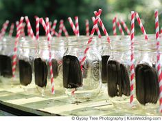 Cute Ideas For An Outdoor Wedding Mason Jars With Chalkboard Paint To Mark Names On Glasses