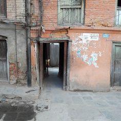 #中庭 から出る #kathmandu