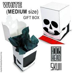 Grinning Skull gift box! http://ift.tt/2wT3Jsq #skull #dayofthedead #skeletonhead #halloween #mediumsize #giftbox #printable