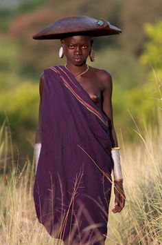 The Bashagi Goldmines, Ethiopia, Surma, Suri tribe