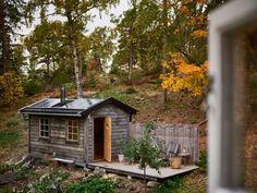 Building A Sauna, Workshop Shed, Sauna Design, Pump House, Sauna Room, Tiny House Cabin, Garage Design, Cozy Cabin, Farm Life