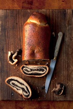 Makový závin (sweet yeast dough poppy seed roll)