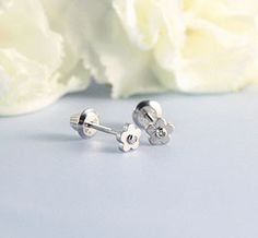 Quality kids earrings in both sterling silver and gold. Our large selection of earrings for kids includes stud earrings, flowers, huggies and more! Baby Earrings, Kids Earrings, Flower Earrings, Diamond Earrings, Stud Earrings, Stylish Little Girls, Cute Little Girls, Little Flowers, Diamond Flower