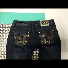 """Grace in LA Denim jeans SIZE 5 NEW Grace in LA SIZE: 5 ️️inseam: 33️️️️️rise: 7""""waist across top: 14.5""""closure: zipper w button3% spandex CUTE! Grace in LA Jeans"""