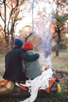 couple camping in the woods in fall, photo inspiration Autumn Day, Autumn Leaves, Happy Autumn, Fallen Leaves, Hello Autumn, Fotos Goals, Chef D Oeuvre, Belle Photo, The Great Outdoors