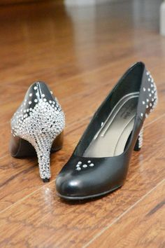 Are your most comfortable heels boring and bland? Bling them out with this DIY Rhinestone Heels tutorial and add some sparkle to your step! Rhinestone Crafts, Rhinestone Heels, Quick And Easy Crafts, Comfortable Heels, To Infinity And Beyond, Fashion Sewing, Diy Costumes, Knitting Patterns Free, Bridal Shoes