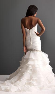 love this wedding dresses