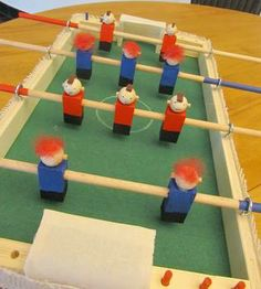 Surprise your kids with this wooden diy #table #soccer: http://www.1-2-do.com/de/projekt/Tischkicker/bauanleitung/12738/