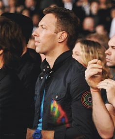 from the side! Great Bands, Cool Bands, Coldplay Concert, Chris Martin Coldplay, Phil Harvey, Jonny Buckland, Blue Eyed Men, John Martin, Dibujo