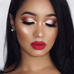 With these simple tips, your round face will become the source of admiration, as well as your skills. Just a few simple steps and such a stunning result! #makeup #makeuplover #makeupjunkie #makeupideas