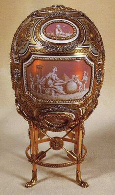 Grisaille Egg or Catherine the Great Egg Carl Faberge, 1914 Gift of Tsar Nicholas II to his mother Dowager Empress Maria Feodorovna Considered one of the most impressive eggs, and a favourite of Maria Feodorovna. It included a a surprise of Catherine the Tsar Nicolas Ii, Tsar Nicholas, Catalina La Grande, Art Nouveau, Fabrege Eggs, Faberge Jewelry, Art Ancien, Catherine The Great, Grisaille