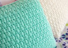 You will love making two sided throw pillow covers with this fun and free pillow cover crochet pattern.