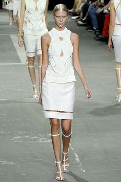 Alexander Wang Spring 2013 Ready-to-Wear Fashion Show - Irina Kravchenko