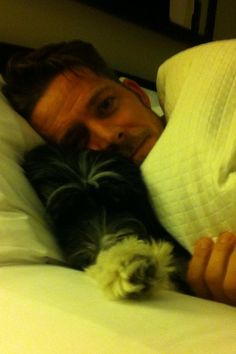TANYA MAGUIRE @TANYAJFLYNN I think someone's happy to have their daddy home #Archie #robinhood&hismerrydog