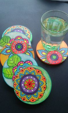 Coaster Art, Tea Coaster, Coaster Design, Cd Crafts, Home Crafts, Crafts To Make, Arts And Crafts, Pottery Painting, Ceramic Painting
