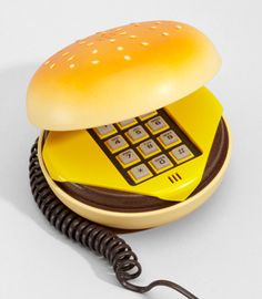 Juno Cheeseburger Phone. Not gonna lie, I want one of these.