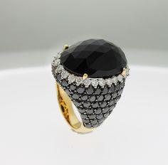 96edcf50e2 A new creation from Gioielleria Casavola Noci (BA): a black onyx gold ring