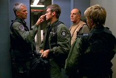 """Michael Shanks and Richard Dean Anderson in the SG-1 episode """"Serpent's Venom"""""""