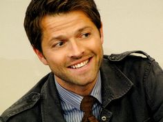 Why'd you have to smile and break my heart? D': #Misha