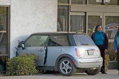 Le top des accidents de voiture les plus ridicules ! - Les dérapages#item=2