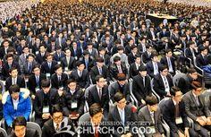 하나님의교회(안상홍증인회) 는 미래를 준비하는 대학생들의 믿음 함양과 바른 가치관 확립을 위해 해마다 대학생 개강 예배를 열고 있다.