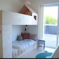 Vil gerne ha' bygget en seng a la denne til V! Men hvem får man til det? Kan en alm. tømrer klare det? #hjælp #børneseng #billedefranettet