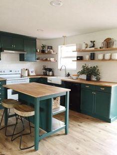 Com teal kitchen cabinets, green kitchen countertops, pain Apartment Kitchen, Home Decor Kitchen, Kitchen Living, Kitchen Interior, New Kitchen, Kitchen Grey, Kitchen Wood, Kitchen Corner, Kitchen Colors