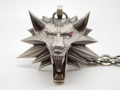 http://orig07.deviantart.net/a10a/f/2014/145/d/9/silver_witcher_medallion_044_by_bloodcountessktd-d7jnn8k.png