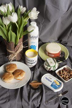 """Depois de uma semana bem cansativa nada melhor do que um bom pequeno almoço para recuperar energias. Assim, fiz uma pequena """"produção"""" para vos mostrar as últimas novidades no que toca à área de alimentação.  Vejam-na em: http://mycherrylipsblog.com/pequeno-almoco-de-fim-de-semana-383875"""
