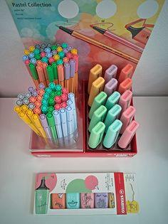 College School Supplies, Cute School Supplies, Graffiti I, Mini Doll House, Stabilo Boss, Cute Pens, Study Planner, Craft Room Storage, Manualidades