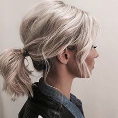 10 things that girls are tired of hearing with short hair - Ponyfrisuren - Hairdos Ideas Low Pony Hairstyles, Cool Hairstyles, Hairstyles Haircuts, Messy Ponytail Hairstyles, Pixie Haircuts, Short Beach Hairstyles, Hairstyle Ideas, Mid Length Hairstyles, Shoulder Length Hairstyles