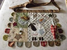 zulu and co Fabric Crafts, Diy Crafts, Love Sewing, Mini Quilts, Sewing Clothes, Patches, Reusable Tote Bags, Wool, Country