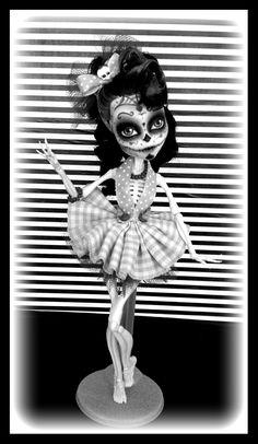 """Monster High Custom Skelita Calaveras """"viva la muerte"""" ooak repaint"""