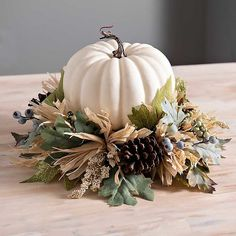 100 Fall Decor Ideas You'll Love | The Perfect Palette Thanksgiving Table, Thanksgiving Decorations, Table Decorations, Harvest Decorations, Fall Home Decor, Autumn Home, Holiday Decor, Modern Fall Decor, Pumpkin Decorating