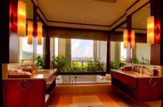 http://www.iseecubed.com/wp-content/uploads/the-fantastic-bathroom-of-villa-kamala-in-phuket-thailand.jpg